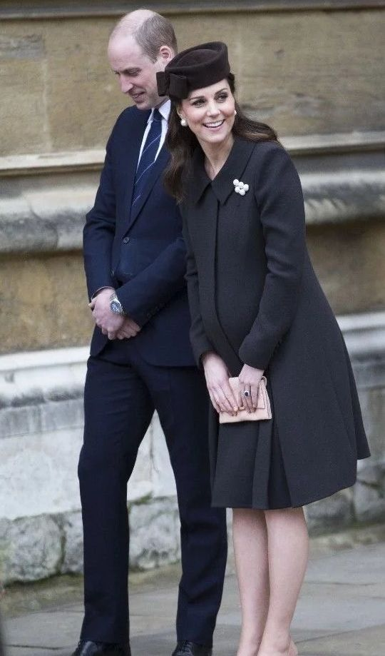 凯特王妃大肚出席复活节活动
